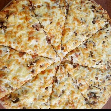 Abomey-Calavi, Benin: Notre pizza au feu de bois