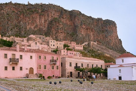 Best of Greece: 7-Day Tour to Real Greece of the Peloponnese, Delphi...