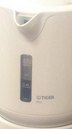 湯沸しポットはTIGER製。