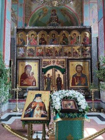 Vlasikha, Rosja: Храм Великомученицы Варвары и Преподобного Ильи Муромца