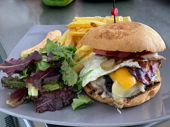 Snackaway Eu: Der Super Burger!!! Einfach lecker und alles hausgemacht.