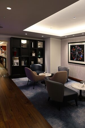 The Conrad St James, at 22-28 Broadway, just a few blocks from St James Park - On-property dining - Executive Lounge
