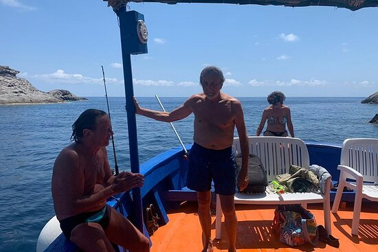 Boat tour in Ponza and Palmarola with a fisherman with lunch