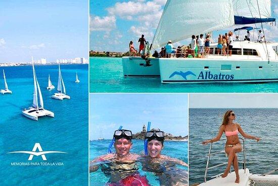 Catamaran Snorkel in Isla Mujeres...
