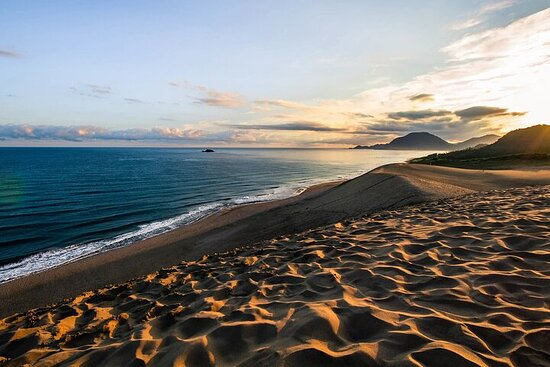 Tottori Full-Day Private Trip with Nationally-Licensed Guide