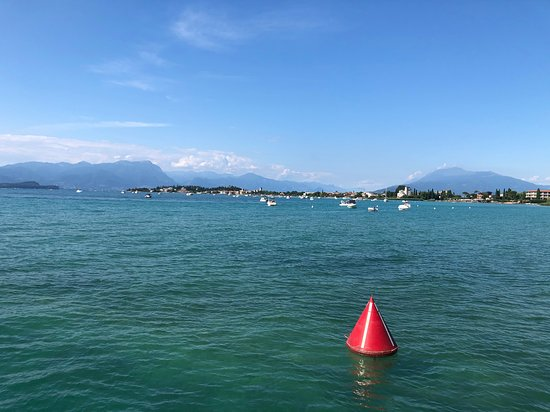 Tour of the Sirmione peninsula with aperitif and stop at the restaurant Φωτογραφία