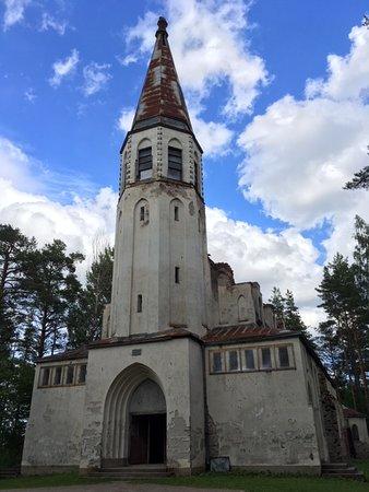 Lumivaara, รัสเซีย: Заброшенная кирха в Лумиваара