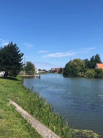 Saint Folquin, Francia: Canal at the front