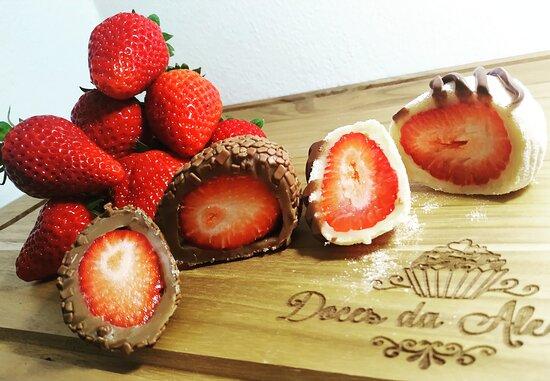Coxinhas de morango com brigadeiro gourmet ou Brigadeiro de Ninho com Nutella