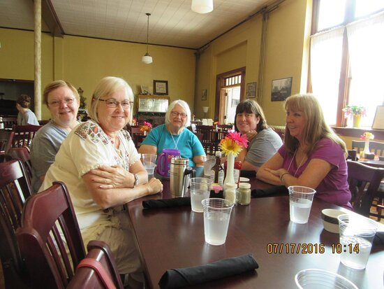 Arcadia, MO: Having lunch at Thee Abbey Kitchen