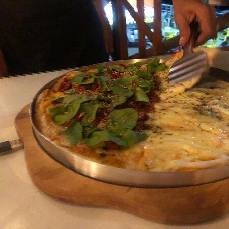 Pizza horrivel!!