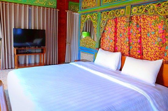 The Amrta Borobudur - Resort Pemandangan Sawah dan Pegunungan