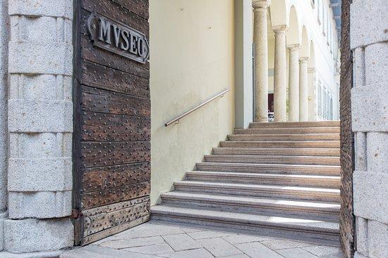 Verbania, إيطاليا: Ingresso di Palazzo Viani Dugnani