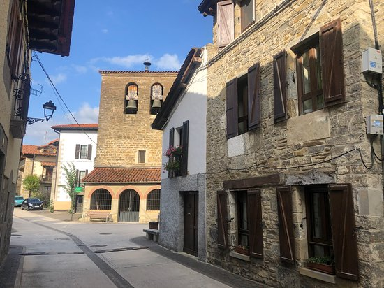 Larrasoaña, España: Die Ortsmitte von Larrasoana
