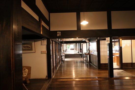 寺院の内部の様子