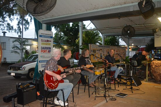 the best live music every Wednesday, Friday and Sunday