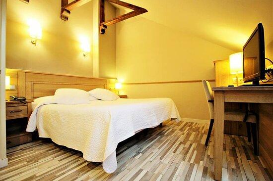 Hotel A Boira, hoteles en Jaca