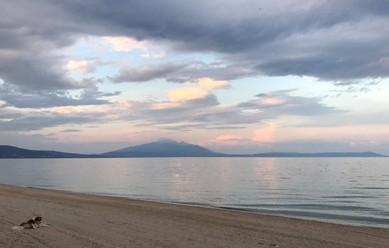 Paralia Vrasna, Hellas: Γαλήνειο σκηνικό μετά την δύση του ήλιου στην παραλία Βρασνών