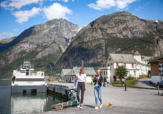 Eidfjord  Foto: Visit Hardanger, Norled