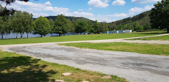 Krecovice, Češka Republika: Stanové městečko a separátní prostor pro parking vozů