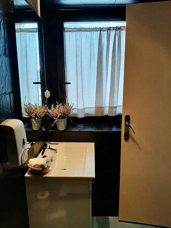 Baño/ Bathroom Petit Habitación Flor de Loto