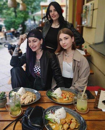 @russkaja.rusalka: Lovely dinner with my girls @chaylong.berlin