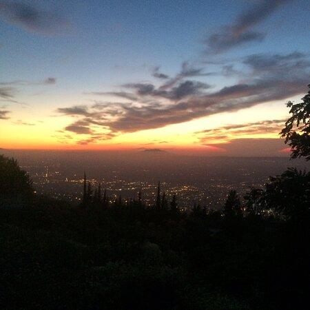 Chrea, Algeria: Chréa  it's a nice view at evening 💜👋💟💓🏔