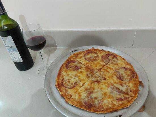 Pizzas caseras, varios sabores. personales, small y mediana