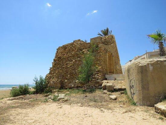 Torre di Tre Fontane