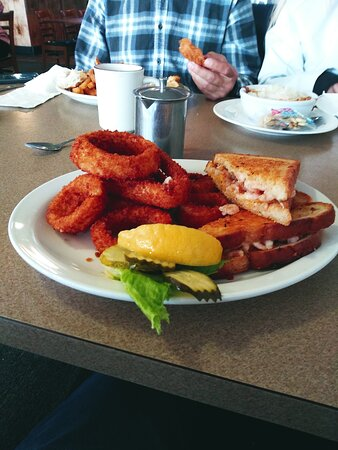 Shrimp Melt with Onion Rings at Chowder Bowl in Depot Bay, Oregon