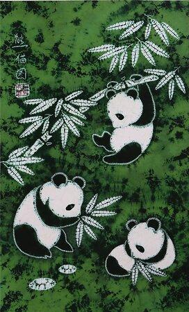 Zigong, الصين: 自貢絞り染めは筆の代わりに針、墨の代わりに色を使用し、幾何学模様や人物、動物、花、鳥、書道などの写意画を絞り染め作品に表現する。その手法は絶妙の域に達する。