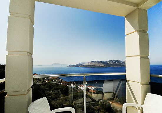 our standart panoramic rooms has nice balcony and sea view.