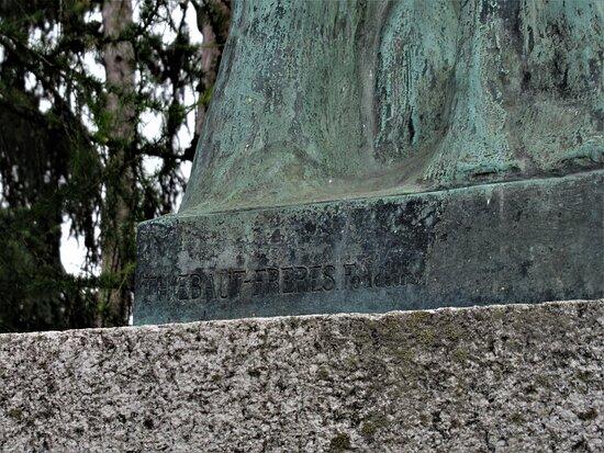 Monument À Germain Sommeiller