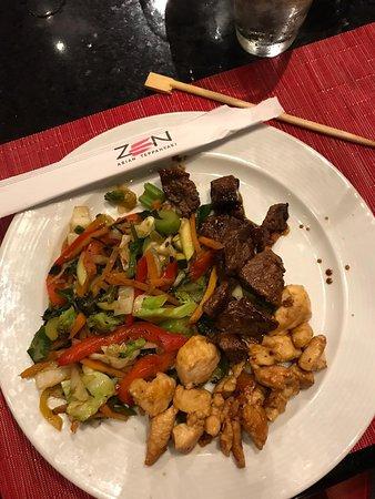 Muestra de mi plato de vegetales con proteinas adaptado a mi Healthy keto en Zen ( Asian Teppanyaki) ( eliminé el arroz frito)