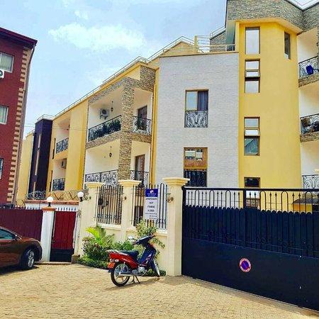 יאונדה, קמרון: Etablissement SCI LE Logis situé à Yaoundé