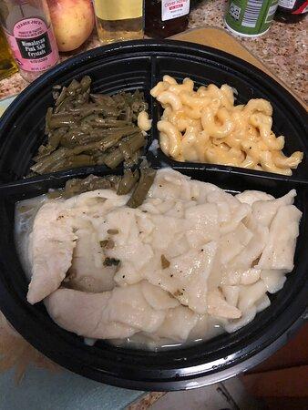Cracker Barrel: Chicken 'n' Dumplins Platter with Mac 'n' Cheese and Green Beans