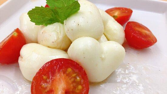 トマトモッツァレラのカプレーゼ
