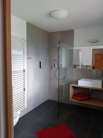 "Zimmer 302 - Doppelzimmer Komfort ""Glücksmomente"""