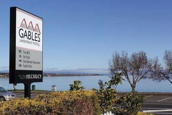 Gables Lakefront Motel