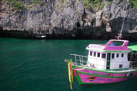Tour di 3 snorkeling nelle isole alla Grotta dello Smeraldo a bordo