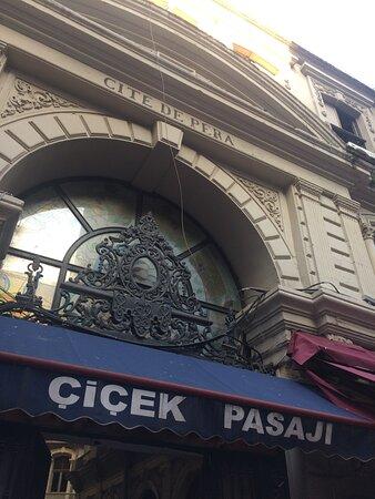 איסטנבול, טורקיה: Çiçek Pasajı