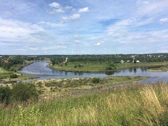 Zubtsov, רוסיה: Вид на стрелку слияния Вазузы и Волги