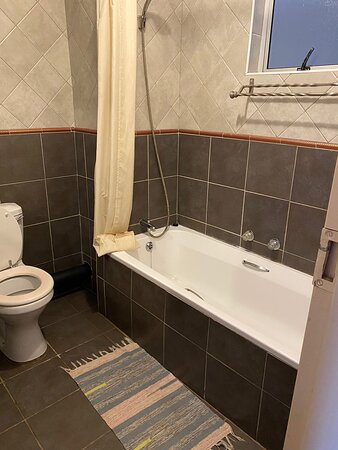 Swartruggens, דרום אפריקה: Double Rooms spacious and lovely. Bathroom air-con coffee station TV Wifi Safe parking