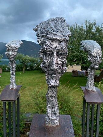Kunstverk ved terrassen