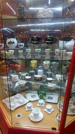 Ассортимент посуды в магазине «Единственная»