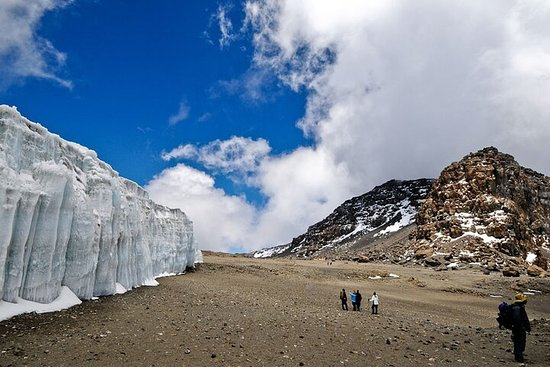 6 Days Kilimanjaro hiking Machame Route with Africa Natural Tours Ltd