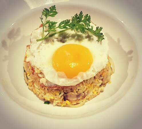 Fried rice seafood with eggs