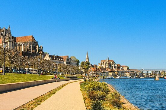Touristic highlights of Auxerre a Private half day tour (4 Hours...