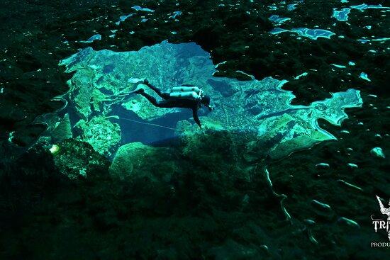 Cenote Cave Diving Playa del Carmen | Acuaman Tours