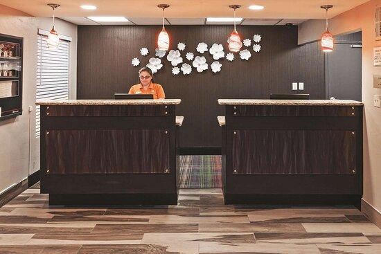 La Quinta Inn & Suites by Wyndham Denison - N. Lake Texoma